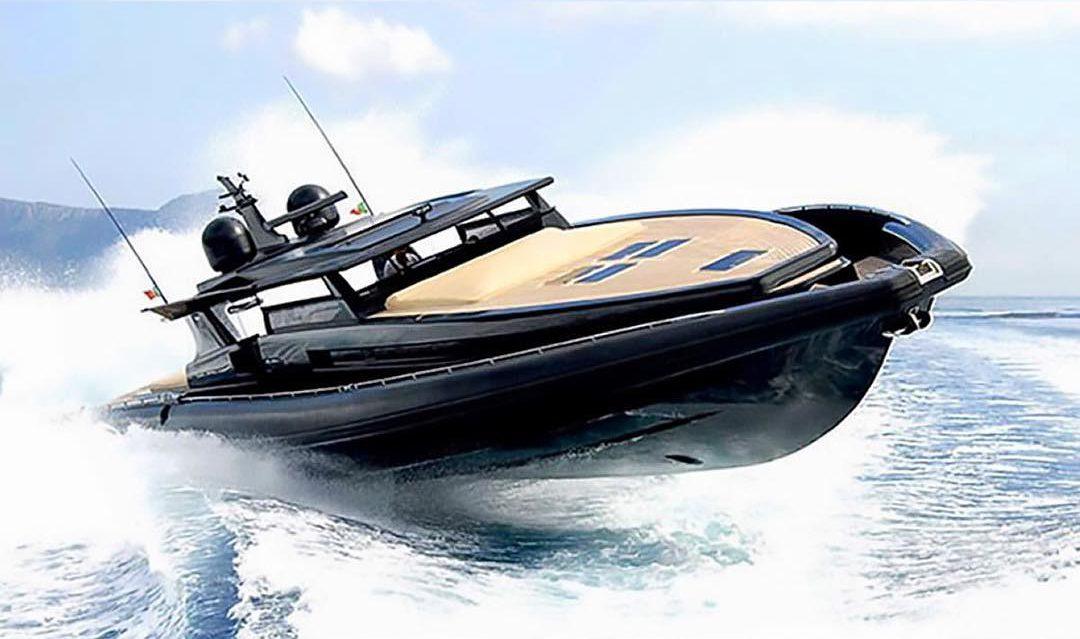 online store c2821 57da8 roberto cavalli yacht