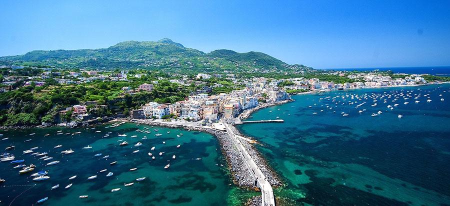 porto turistico napoli Ischia