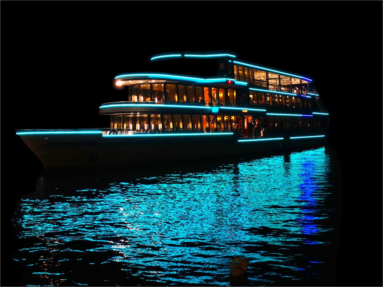 Luci A Led Per Barche.5 Buoni Motivi Per Usare I Led In Barca