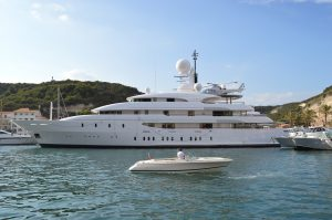 super yacht extra lusso